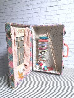 Princess and the Pea Vintage Case Diorama by SwankyEgg, by Swanky Egg