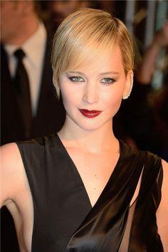 Vampy eyes, dark lips & an ear cuff...Jennifer Lawrence is perfection.