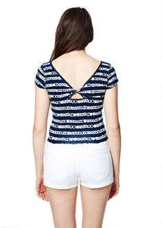 Print Crop Twist-Back Short-Sleeve Tee - Short Sleeves - Tops - Clothes - dELiA*s