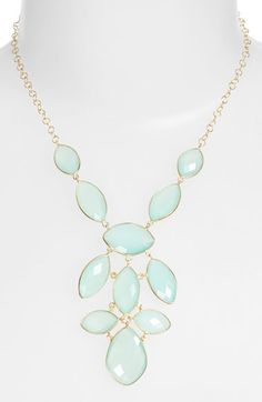Beautiful stone statement necklace http://rstyle.me/n/wq7tvnyg6