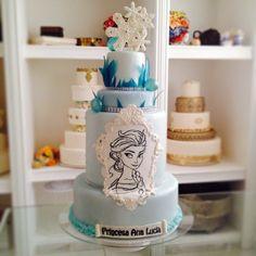 For my little princess a Frozen Cake www. Frozen Fever Party, Frozen Birthday Party, Birthday Cake, Frozen Cake, Girl Cakes, Sugar Art, Cake Art, Disney Frozen, Little Princess