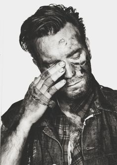 Ewan McGregor, dirty and bandaged, the way I like 'em