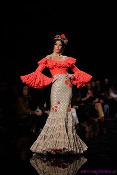 simof 2014) Spanish Dress, Spanish Style, Flamenco Costume, Spanish Fashion, Boho Chic, Evening Dresses, Feminine, Gowns, Costumes