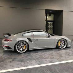 - Porsche 911 - - Auto - - New Ideas Porsche 911 Gt3, Porche 911, Porsche Sports Car, Porsche Cars, Custom Porsche, Auto Design, My Dream Car, Dream Cars, Carros Bmw