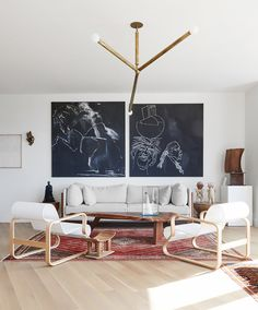 Is your living room décor feeling a little tired? Give it a quick makeover, and make sure it always feels fresh with these clever tips.