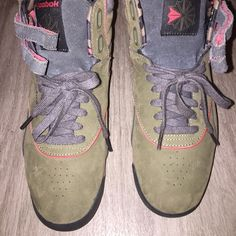 Old-school Reeboks Oh school Reeboks army green gray and peach Shoes Sneakers