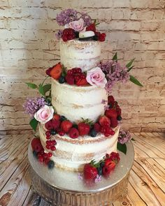 My daughter's graduation naked cake