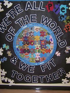 Joint project - grade - Each student paints 2 puzzle pieces. - Joint project – grade – Each student paints 2 puzzle pieces. School Displays, Classroom Displays, Classroom Themes, Diversity Bulletin Board, School Bulletin Boards, Around The World Theme, We Are The World, Diversity Activities, Multicultural Classroom