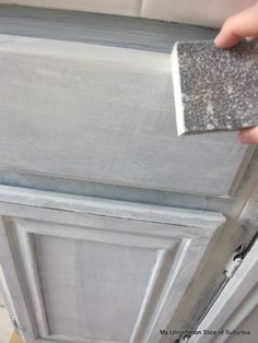 Step by step tutorial ~how to paint those oak cabinets~