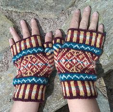Ravelry: Skaw Mitts pattern by Lesley Smith Designs Beginner Knitting Patterns, Knitting For Beginners, Mitten Gloves, Mittens, Fingering Yarn, Fair Isle Pattern, Knit In The Round, Fair Isle Knitting, 2 Ply
