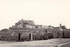 """Vista de Peñíscola. Fotografía realizada en el  rodaje de la película """"El Cid"""" en el año 1960."""