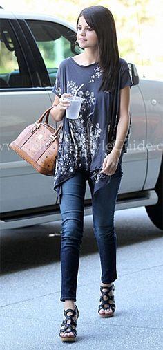 Selena Gomez at Poquito Mas in LA July 19, 2011