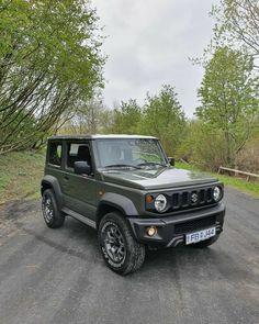 New Suzuki Jimny, Jimny 4x4, Aigle Animal, Suzuki Cars, Grand Vitara, Suv Trucks, Car Goals, Jeep 4x4, Hot Rides