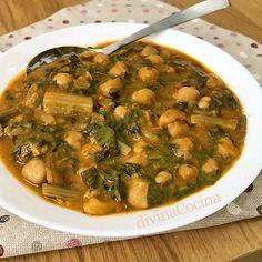 Esta receta de Garbanzos con Acelgas es unos de los grandes platos tradicionales de legumbres, pero con un toque personal que te va a encantar. Spanish Kitchen, Spanish Food, Spanish Recipes, Cooking Recipes, Healthy Recipes, Canapes, Palak Paneer, Free Food, Curry