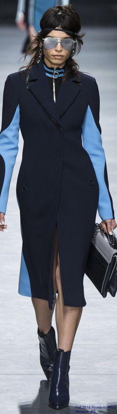 Fall 2016 Ready-to-Wear Versace