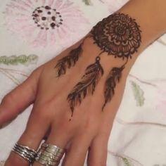 Amazing💗💗💗 – foot tattoos for women flowers Henna Designs, Henna Tattoo Designs Simple, Stylish Mehndi Designs, Mehndi Designs For Fingers, Dulhan Mehndi Designs, Bridal Mehndi Designs, Mehendi, Henna Tattoo Hand, Hand Tattoos