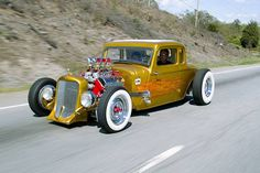 Hot Rod down the highway !
