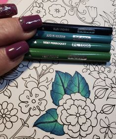 Learning to Draw? You're Gonna Need a Pencil - Drawing On Demand Secret Garden Coloring Book, Coloring Book Art, Coloring Tips, Leaf Coloring, Coloring Pages, Adult Coloring, Colored Pencil Tutorial, Colored Pencil Techniques, Johanna Basford Coloring Book