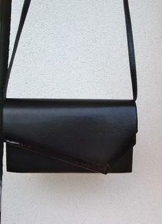 Kupuj mé předměty na #vinted http://www.vinted.cz/damske-tasky-a-batohy/psanicka/9229926-krasne-jednoduche-cerne-psanicko
