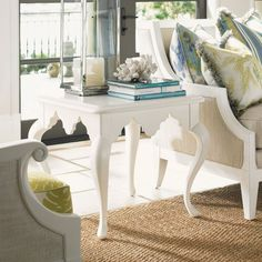 Tommy Bahama by Lexington Home Brands Ivory Key Cumberland Square Lamp Table - 01-0543-953