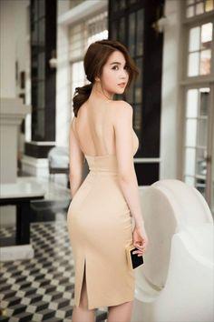 dambody.net - Đầm phi bóng 2 dây thiết kế cúp ngực ôm body Ngọc Trinh