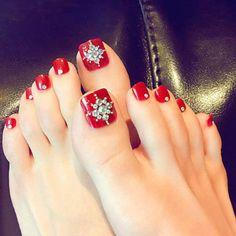 Pretty Toe Nails, Cute Toe Nails, Toe Nail Color, Toe Nail Art, Nail Art Hacks, Bridal Toe Nails, Fake Toenails, Nagel Hacks, Summer Toe Nails