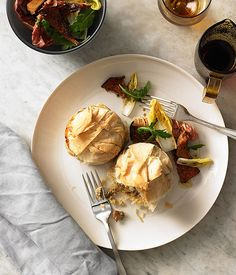 Australian Gourmet Traveller Italian entree recipe for rice, pine mushroom and Taleggio pies Mushroom Pie, Mushroom Recipes, Italian Entrees, Italian Recipes, Entree Recipes, Rice Recipes, Vegetable Tart, Tacos, Cottage Pie