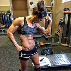 Diät, um Fett zu verbrennen, ohne Muskelfrauen zu verlieren