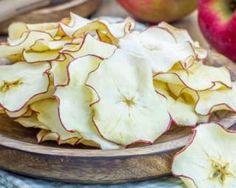 Chips de pomme ultra-light : http://www.fourchette-et-bikini.fr/recettes/recettes-minceur/chips-de-pomme-ultra-light.html