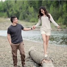 An adorable engagement session from Canada.