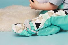 Cool summer baby shoes, toddler shoes, slippers, newborn crib shoes, baby booties, crown gold shoes