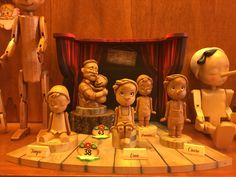 All these little Pinocchio are so cute. Feeling in the shop of Mastro Geppetto.