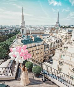 Ever dreamt of a breathtaking experience? A fleeting sensation that anything is possible? Join us!  #fsparis #fourseasons #penthouse…