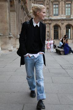 Boyish style from Paris fashion week Fashion Week Paris, Street Style Fashion Week, Street Style Edgy, Winter Fashion, Tomboy Fashion, Denim Fashion, Look Fashion, Fashion Coat, Estilo Tomboy