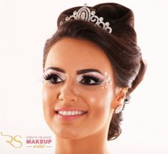 Bridal makeup with pearls