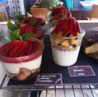 Cafe Juli Karlsruhe Erdbeer Amarettini Tiramisu