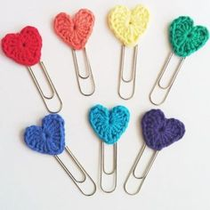 EllesHeart Loves ~ Crochet Hearts ~ Set of 3 Crochet Heart Jumbo Paperclip bookmarks - Rainbow Colors Crochet Bookmark Pattern, Crochet Bookmarks, Crochet Books, Love Crochet, Crochet Gifts, Diy Crochet, Crochet Flowers, Crochet Patterns, Crochet Hearts