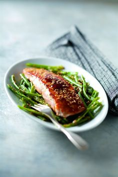 Sesame-Crusted Salmon & Green Beans