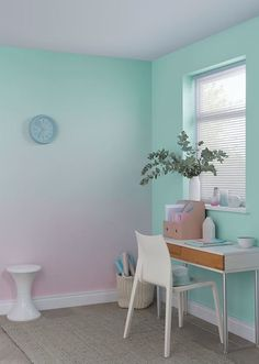 25 Ombré Wall (or Gradient) Ideas : Step by Step how to do it Girl Bedroom Walls, Girl Room, Bedroom Decor, Bedrooms, Ombre Painted Walls, Ombre Walls, Room Wall Painting, Room Colors, Paint Colors