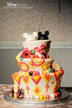 Boda al estilo Disney: cinco mágicas ideas Pretty Cakes, Beautiful Cakes, Amazing Cakes, Comida Disney, Disney Food, Disney Ideas, Cake Cookies, Cupcake Cakes, Fun Cakes