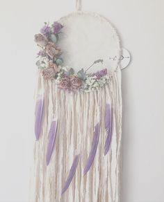White and Lavender Dream Catcher via - Popular Tinker 2019 Dream Catcher Bedroom, Lace Dream Catchers, Dream Catcher Craft, Dream Catcher Boho, Dream Catcher White, Lavender Baby Showers, Indian Arts And Crafts, Hoop Dreams, Boho Baby Shower