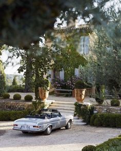 End of Summer Neutrals Gravel Driveway, Aix En Provence, South Of France, End Of Summer, Travel Aesthetic, Landscape Design, Garden Design, Beautiful Pictures, Beautiful Things