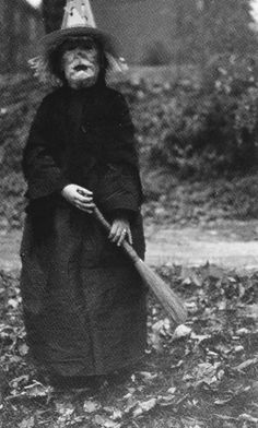 funeral-wreaths: From Haunted Air, a collection of anonymous American Hallowe'en photographs {x}