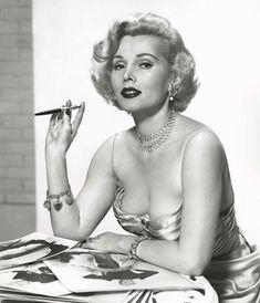 Zsa Zsa Gabor/Жа Жа Габор Zsa Zsa Gabor, Eva Gabor, Old Hollywood Style, Classic Movie Stars, Famous Women, Actresses, History, Portrait, Celebrities