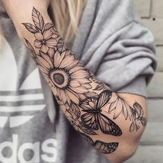 Demi-manche fleurie par Ariana Roman - Demi-manche floral papillon monarque tournesol Informations About Floral half sleeve by Ariana Roman - Cute Tattoos, Black Tattoos, Body Art Tattoos, Small Tattoos, Tattoos For Guys, Xoil Tattoos, Woman Tattoos, Tattoo Ink, Tatoos
