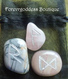 Semi precious stones etched with the bind rune of : change, positive out come, motive  Picture Jasper rune : to ease and bring about change to ones life., Beige jasper: Positive outcome,, success ,happiness, enlightenment. Rose quartz: Motive to complete task, joy, serenity. Once charged and cleanse, they can be used to Helps find positive change in ones life. And let be a success, harmony, inner peace Magick.  Come with cleansing and charging instructions. Price $8.50 + free shipping (usa)