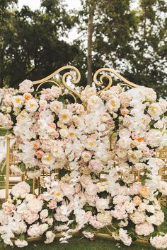 If you imagine the equivalent of a Disneyland for brides, this California wedding would be it. See this dreamy wedding captured by Reverie VP.