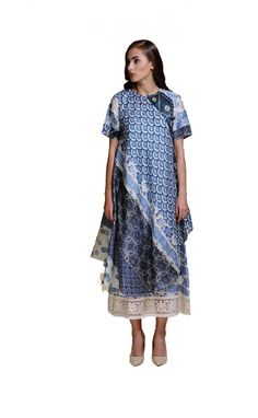 Niki Mahajan Nirari Kaftan Dress #Blumuslin #fashion #lehenga #NikiMahajan #dress #kaftan #Clothing #Kurta #anarkali #suit #Contemporary #Westernwear #Womenswear #multidesigner #Webstore #onlinestore #instafashion #luxury #luxurious #instaluxury #shopnow #availablenow #shopping #Love #shopaholics #Indiandesigners #indianculture #indianwedding #Indianclothes #indianfashion #bridal #wedding