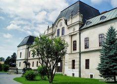 Kaštieľ Humenné Bratislava, Hungary, Explore, Mansions, History, Country, House Styles, Places, Castles