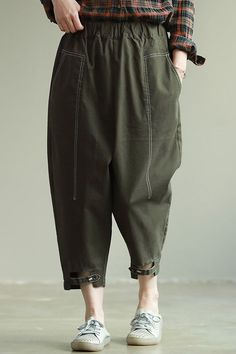 Loose Black And Green Cotton Casual Harem Pants For Women Best Work Pants, Ripped Jeans Style, Suits Tv Shows, Pants For Women, Clothes For Women, Fashion Pants, Style Fashion, Fashion Dresses, Green Cotton